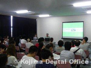 鶴ヶ丘小学校就学時健診時の歯科指導2014
